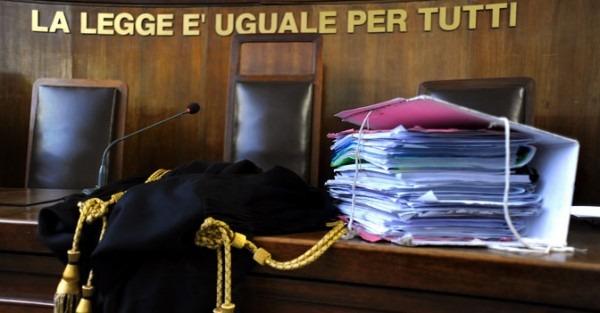 Inchiesta appalti, il riesame scarcera sindaco di Aversa e docente di ingegneria