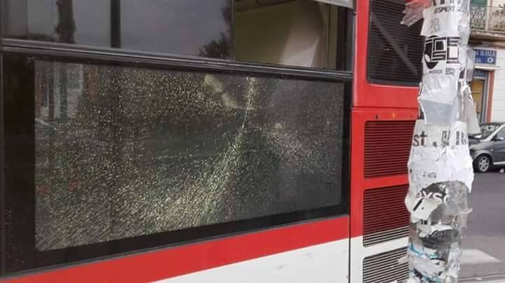 Napoli, baby gang scatenate: due autobus danneggiati in poche ore