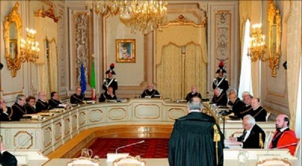Carcere, la Consulta boccia l'ergastolo ostativo: sì a permessi ai mafiosi