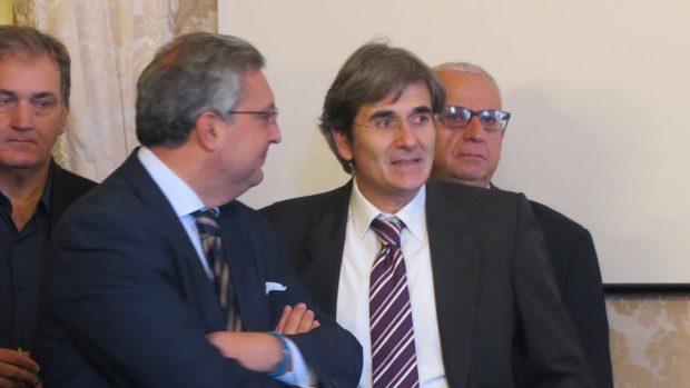 Campania, demA corre ai ripari dopo assemblea flop: coalizione per Del Giudice candidato presidente