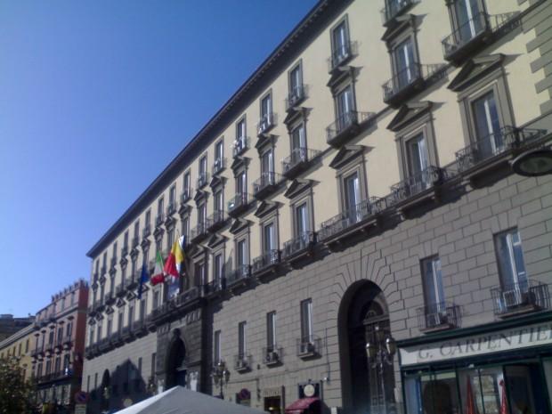 Giunta comunale di Napoli, approvata la manovra di assestamento del bilancio