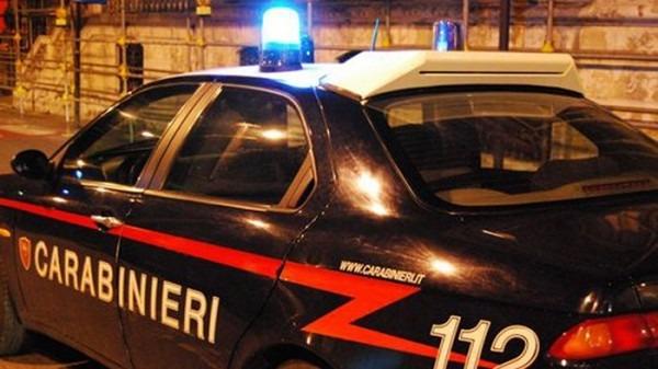 Marcianise: rubavano all'outlet, arrestati