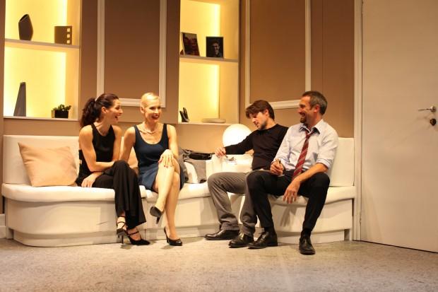 """Al teatro Cilea, con """"L'amore migliora la vita"""" si parla di omosessualità e famiglia"""
