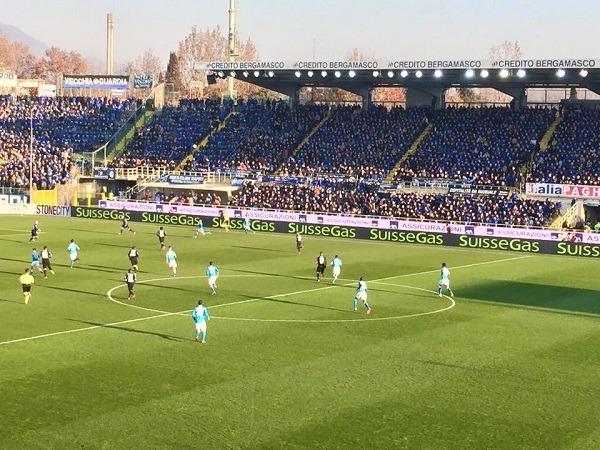 Atalanta-Napoli 0-0 al 45′: Reina salva in apertura, super occasione Higuain