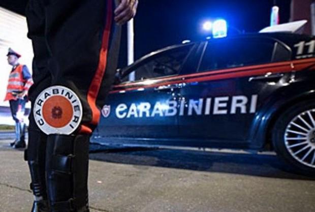 Torre del Greco, bomba contro pizzeria: saracinesca distrutta