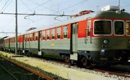 Sprofonda il terreno, stop ai treni tra Napoli e area flegrea
