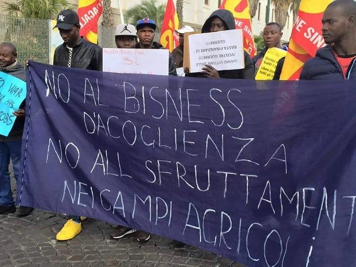 Immigrati, domani corteo contro il business dell'accoglienza