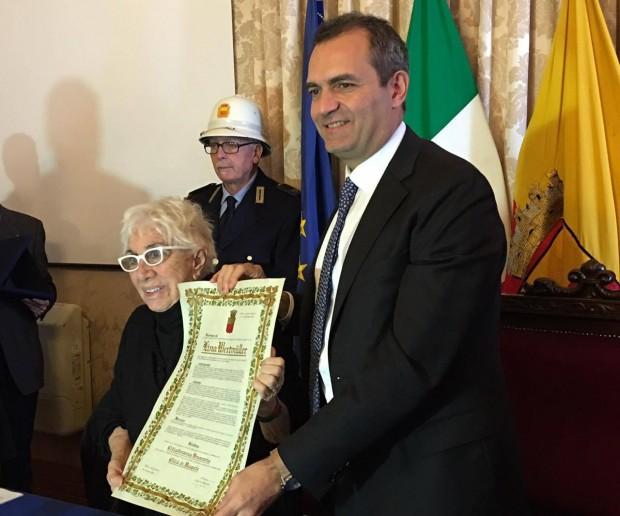 Lina Wertmuller Taglio Capelli Loren  2022