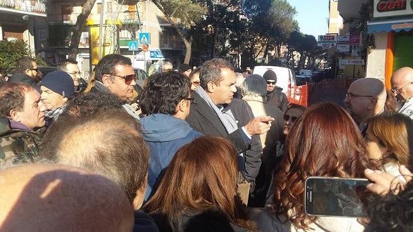 Sgombero Colli Aminei: bagarre e accuse di sciacallaggio tra Pd e amministrazione