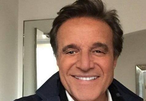 Lieve malore per Christian De Sica a Napoli: trasportato in ospedale