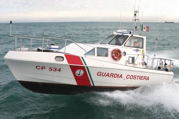 Golfo di Napoli, avvistato e recuperato corpo di una donna