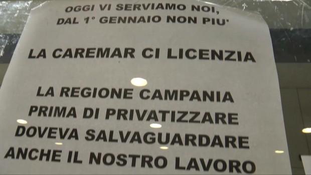 """Bigliettai della Caremar in protesta """"cacciati"""" dai nuovi arrivati"""