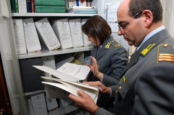Napoli e Portici, cartolerie fotocopiavano libri universitari: 4 denunce