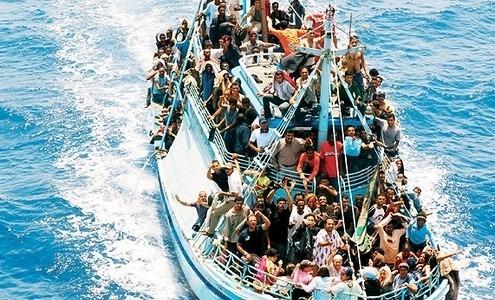 Naufragio a Creta, nuova strage di migranti: centinaia di dispersi