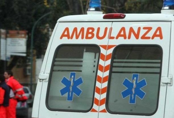 Capri, autobus precipita giù: ci sono feriti