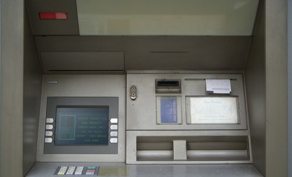 Casoria: scassinato bancomat, portati via oltre 50.000 euro