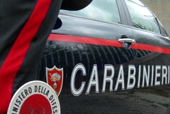 Vairano, denunciato e arrestato in due posti nello stesso giorno: colpisce carabiniere in caserma