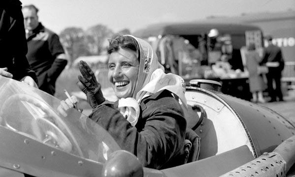 Addio Maria Teresa De Filippis, la napoletana volante: fu la prima donna in F1