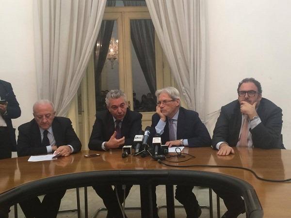 """Bagnoli, de Magistris sull'Aventino ma Nastasi tende la mano: """"C'è spazio per collaborare"""""""