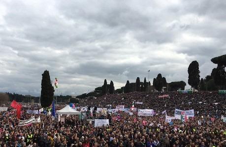 """Family Day, in piazza contro il ddl Cirinnà: """"Siamo 2 milioni"""""""