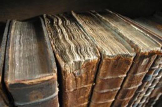 Sos Biblioteca Girolamini, raccolta fondi per restaurare libri danneggiati dai saccheggiatori