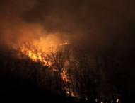 Incendio sulla Solfatara, paura tra residenti e campeggiatori