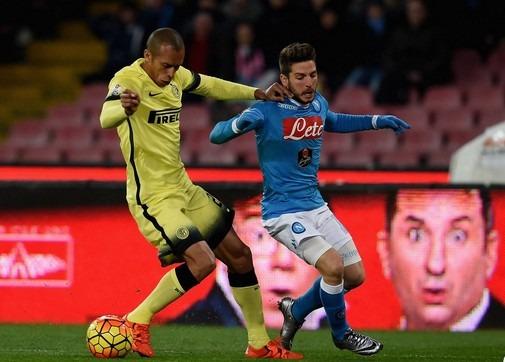 Napoli-Inter 0-0 al 45′: Callejon e Mertens spaventano i nerazzurri
