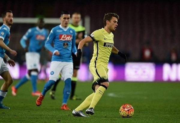Due ceffoni dell'Inter svegliano il Napoli dai sogni: Coppa Italia ciao