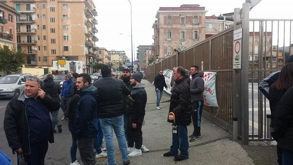 """Bagnoli, comitato occupa ex Italsider: """"Sì alle bonifiche, no a Nastasi"""""""