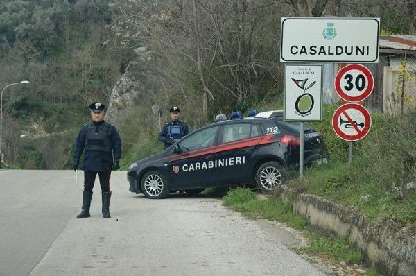 Casalduni: non si apre porta automatica, beffati i rapinatori dell'ufficio postale