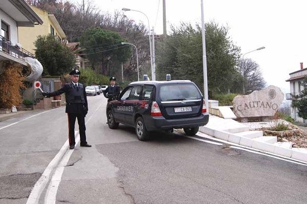 Giallo a Cautano: 32enne trovato morto in auto