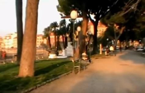 Castellammare: baby bulle aggrediscono una 15enne in villa comunale, denunciata 18enne