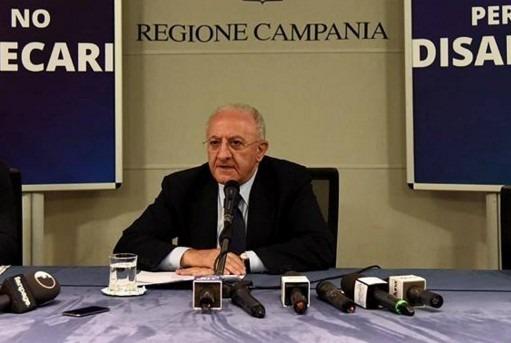 """Scandalo primari, De Luca si chiama fuori: """"Servivano in campagna elettorale ma non la mia"""""""