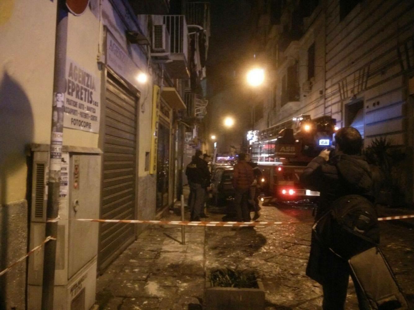Esplosione in centro a Napoli