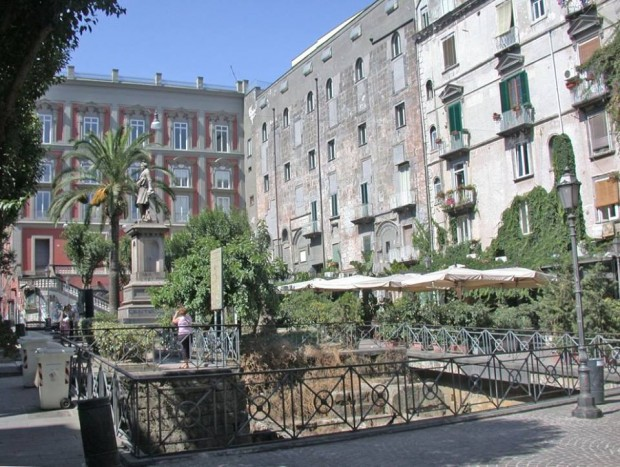 Movida sicura a piazza Bellini, incontro fra amministrazione e operatori commerciali
