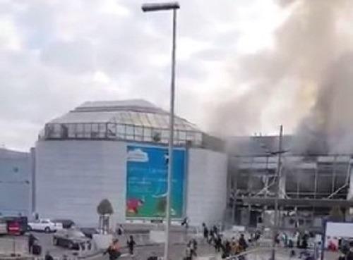 """Terrore a Bruxelles, esplosioni all'aeroporto: """"Ci sono morti e feriti"""""""