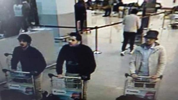 Stragi Bruxelles, probabile vittima italiana. Identificati kamikaze dell'aeroporto