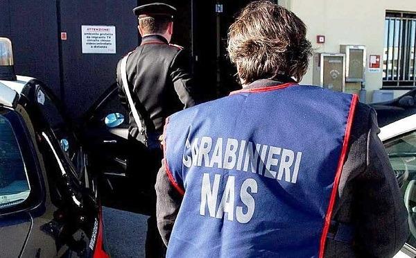Napoli, promettevano posti di lavoro in cambio di soldi: 2 arresti