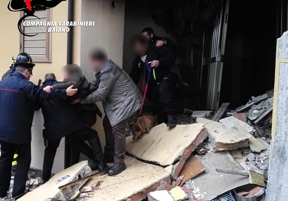 Montoro, esplosione sventra appartamento: feriti 2 giovani fratelli, salvata anziana