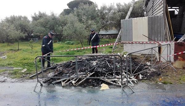 Trecase, bruciati rifiuti speciali in un fondo: arrestato imprenditore di Boscotrecase