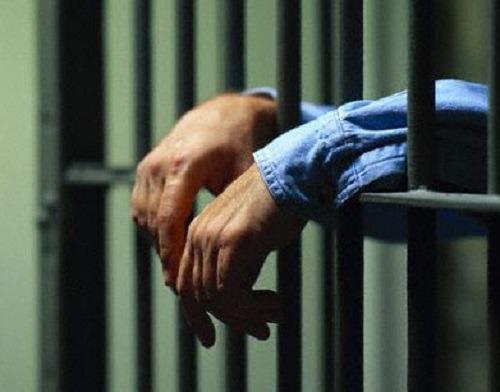 Detenuto positivo, rivolta nel carcere di Santa Maria Capua Vetere
