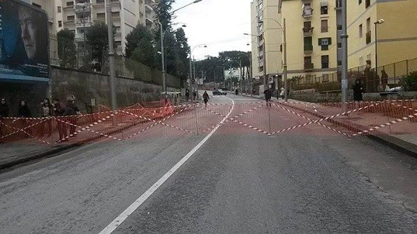 Colli Aminei, albero pericolante: nuova chiusura di un tratto stradale
