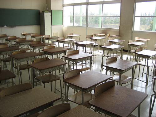 Fino a 4 figli lontani dai banchi: sos dispersione scolastica a Scampia, 67 genitori denunciati