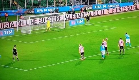 Palermo-Napoli 0-1 al 45′: sblocca un rigore di Higuain