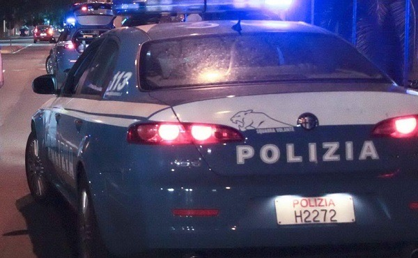 Scampia, 400 dosi di droga in casa: arrestata 34enne