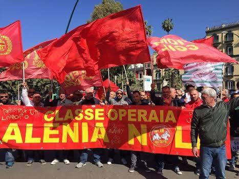 La classe operaia va in sciopero, a Napoli marciano 3.000 tute blu