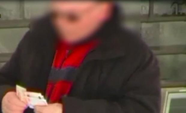 Cava de' Tirreni: cieco assoluto legge e conta soldi, denunciato 63enne per truffa – Video