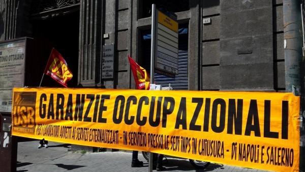 Inps Campania, si incatenano 70 addetti alle pulizie a rischio licenziamento