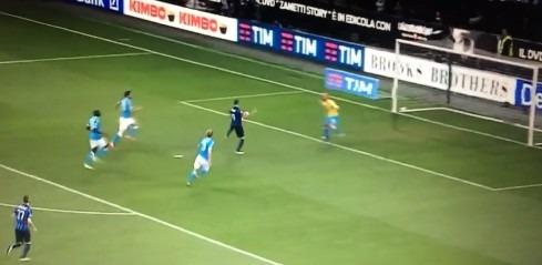 Inter-Napoli 2-0 al 45′: lampo Icardi in fuorigioco, raddoppio Brozovic nel finale