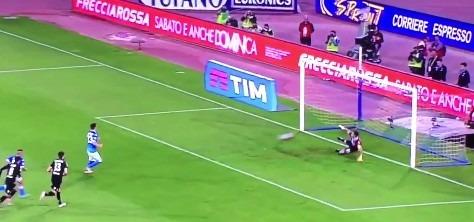 Napoli-Bologna 2-0 al 45′: doppio Gabbiadini, felsinei storditi